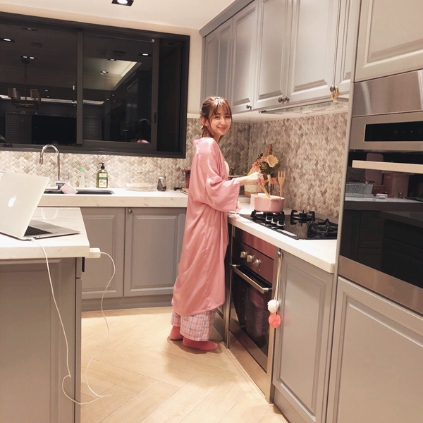 1_PAZZO_法式慵懶寬袖長版睡袍_甜蜜少女格紋緞帶家居長褲 (24).jpg