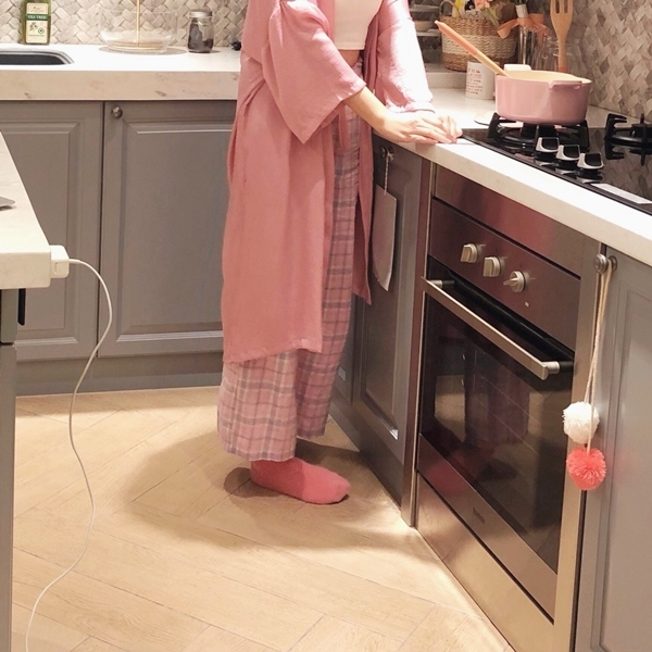1_PAZZO_法式慵懶寬袖長版睡袍_甜蜜少女格紋緞帶家居長褲 (23).jpg