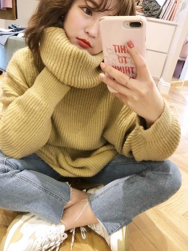 舒適針織高領上衣  +  #PS201 雙車線褲管抽鬚直筒褲  + NO,061韓國可愛珍珠櫻桃夾式耳環