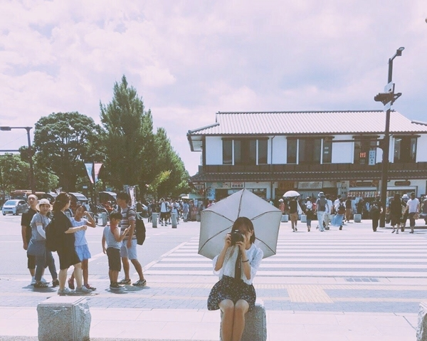 Pazzo的衣服從來沒有讓我失望過,第一次嘗試蕾絲的衣服就是在Pazzo下手的,後面還有心機的小扣子好可愛😍袖口也像花朵一樣好可愛😚讓我去日本旅行都能美美的,融入櫻花妹們😘 拍出一系列好喜歡的照片,期待未來Pazzo任何系列的衣服😻謝謝妳們! _YuChi Peng