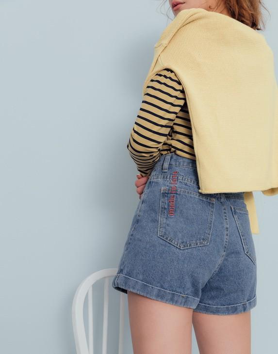 PS系列 後口袋刺繡反褶顯瘦牛仔短褲