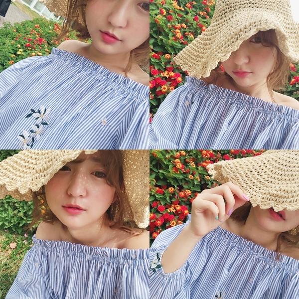 1_小清新花朵刺繡一字領條紋上衣0.jpg