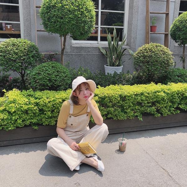 韓妞休閒百搭落地吊帶褲_百搭必備圓領上衣 (18).JPG