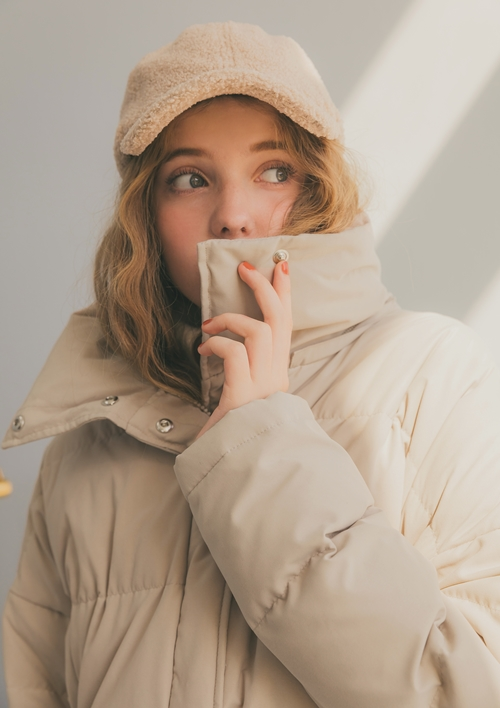 pazzo look/ WARM SERIES 暖冬膨感連帽羽絨外套 . 奶茶杏