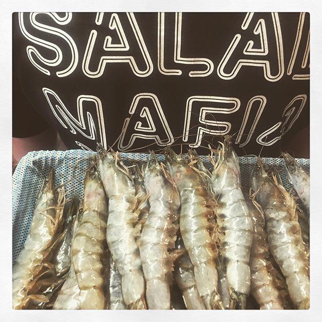 Prepping 🤔 @boxpark see you all tomorrow😘😘 #saladmafia #london #boxpark #seafood