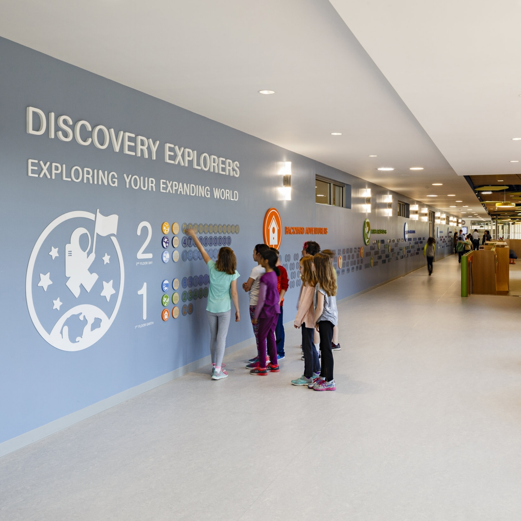 Discovery Elementary School  Branded Environment