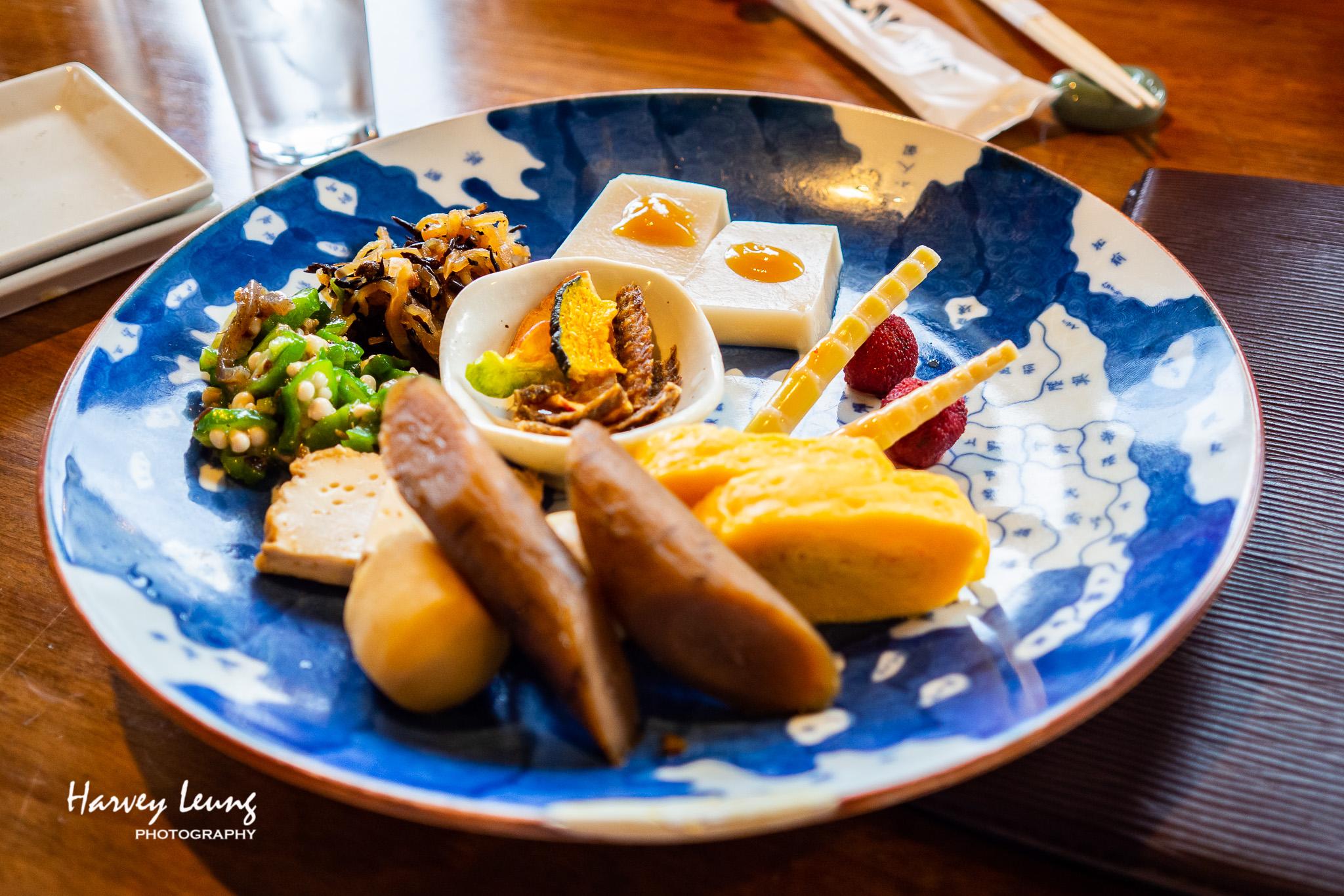 套餐附送嘅前菜 (まぶし・前菜・漬物・薬味・赤出し汁 )