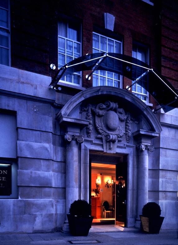 LONDON BRIDGE HOTEL -