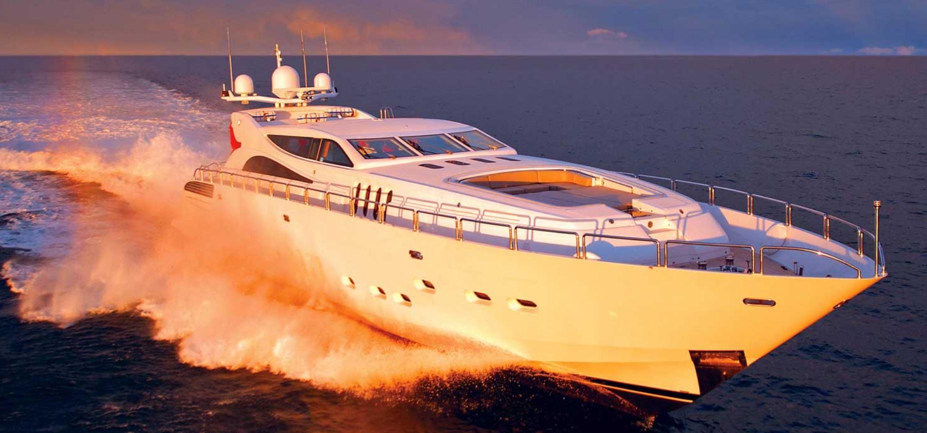 yacht.JPG