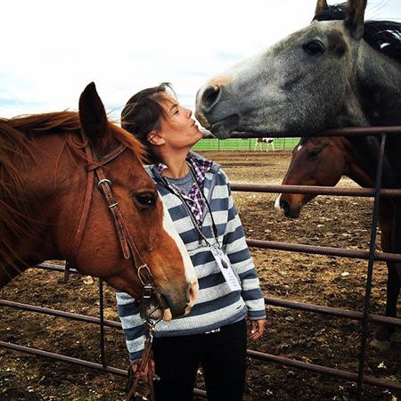 horse-kisses-wyld-leadership.jpg