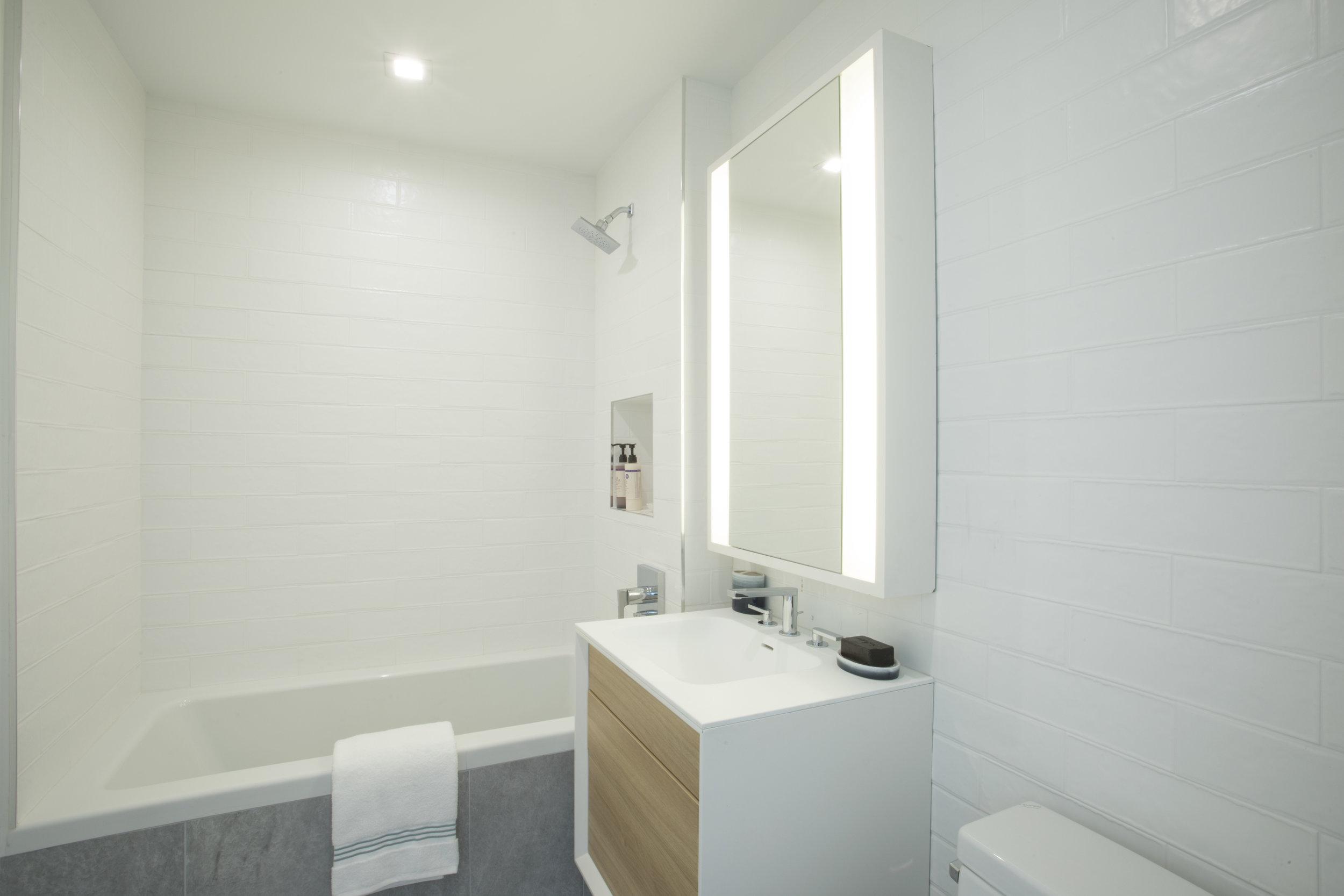 2nd bath wide.jpg