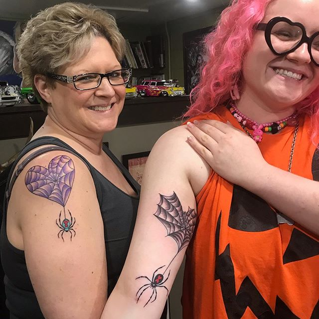 A mother/daughter tattoo by @brandonhannatattooer.  Look at those smiles! . . . #easttattoocollective #eastnashville #nashvilletattoo #eastnashvilletattoo