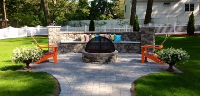 The backyard is a welcoming oasis, providing Ashlee and her family and friends hours of entertainment and relaxation.