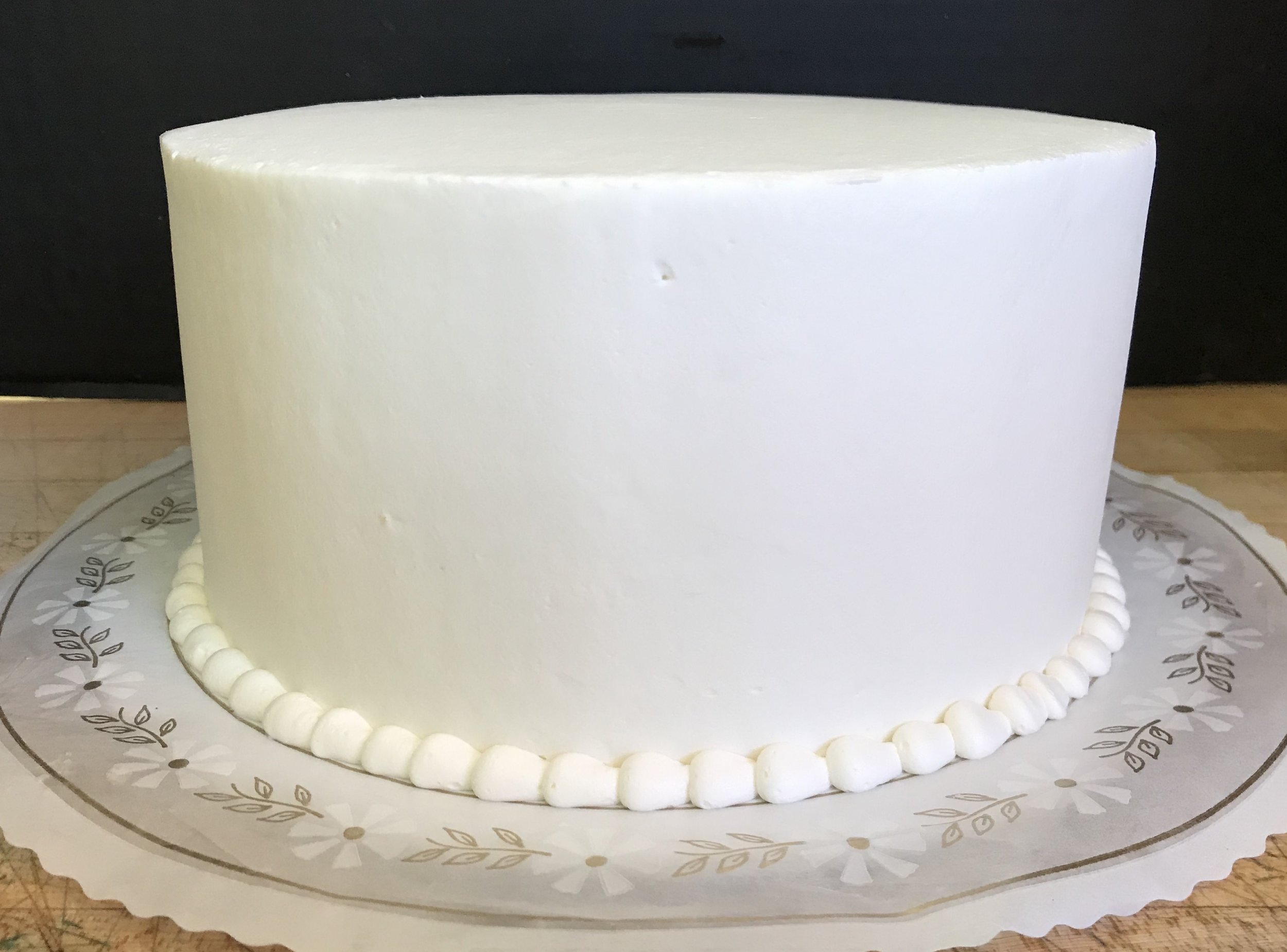 AO - Smooth Cake with Bead Borders