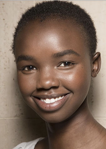 And of course naked, glowy and healthy looking skin is always gonna be trendy! -