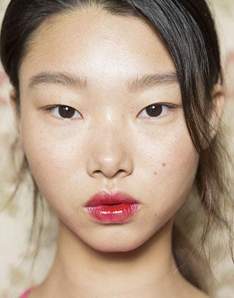 High glossy smudgy lip tint. Make it bright! -
