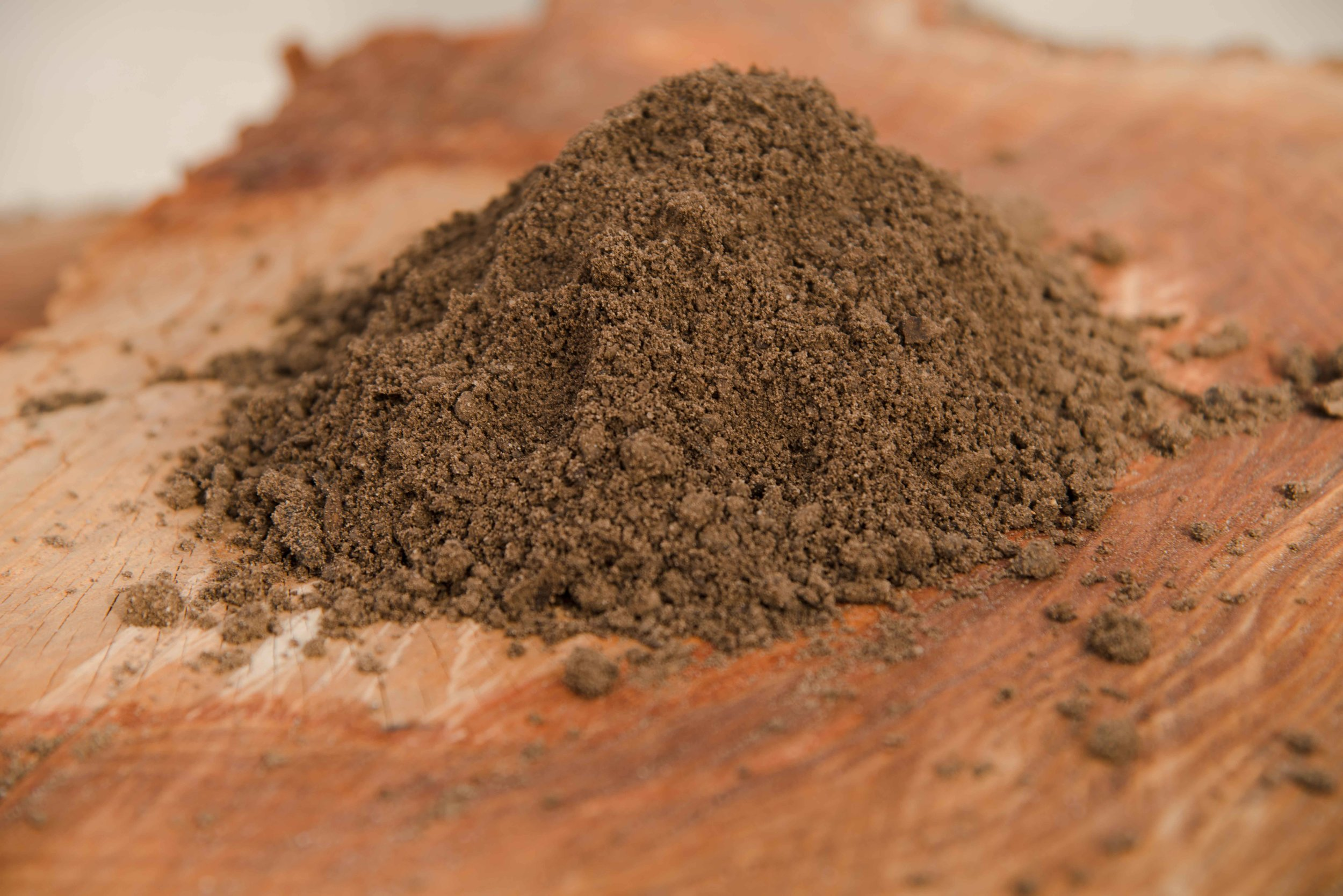 Rich Mix - A pulverized and screened soil blend, which includes the Murphy rich top soil as well as our compost. This ready to use product is formulated to improve plant growth for flower beds, vegetable gardens, seed beds, leveling and top dressing lawns.