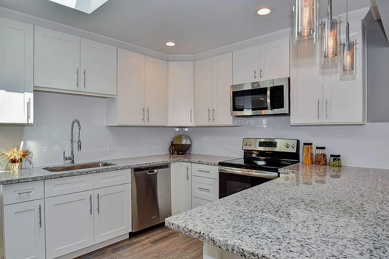 011_Granite Countertops.jpg
