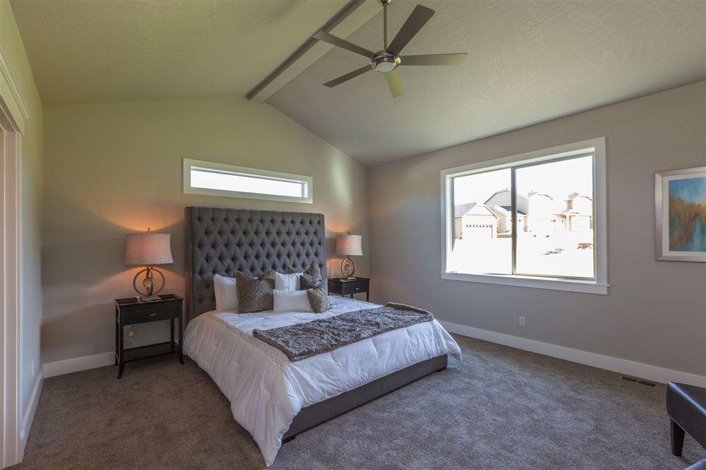Basalt master bedroom.jpg