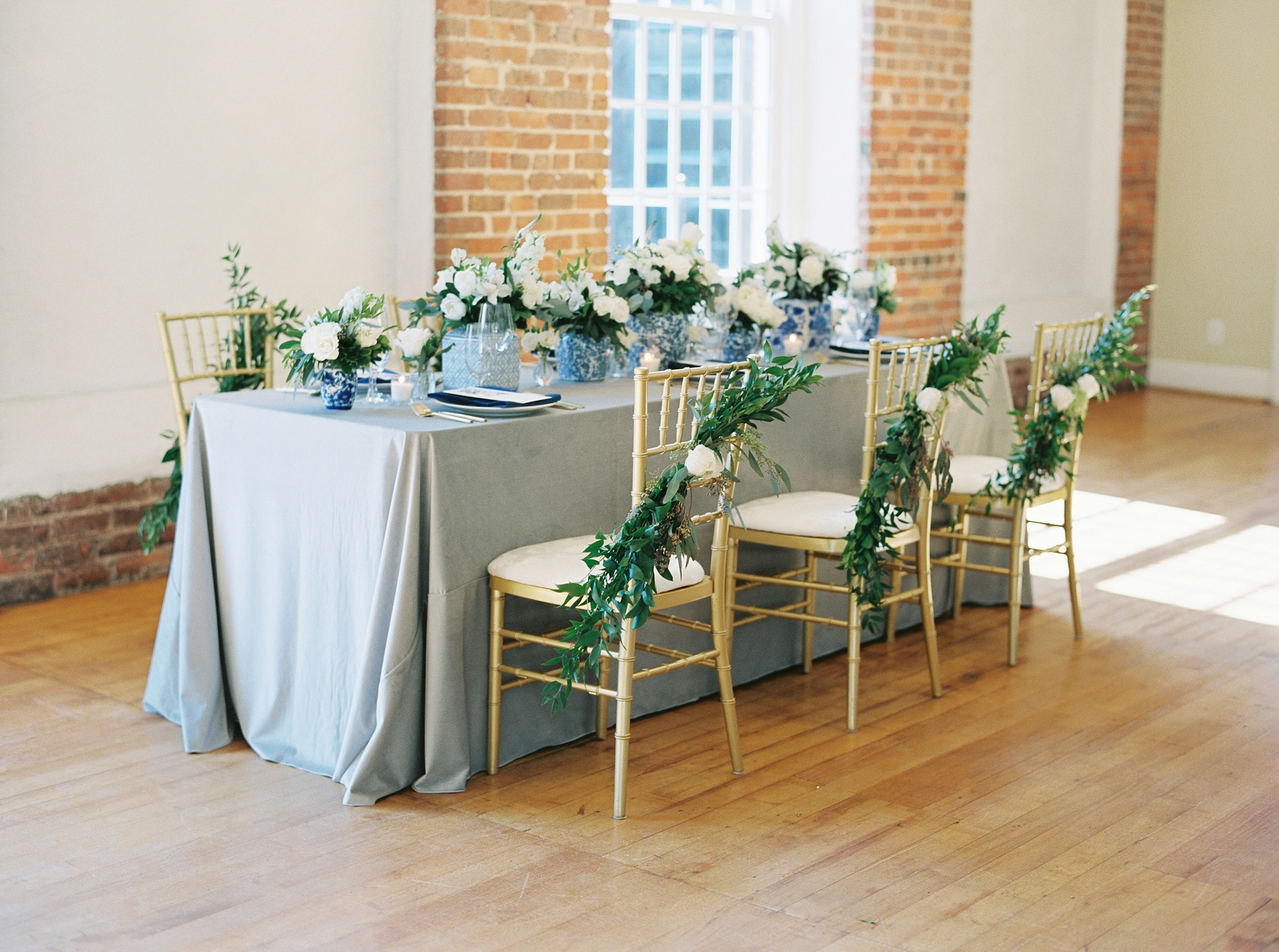 Photo by Alayna Kaye Photography, Design by Carly Marie Events, Flowers by Tre Bella, Rentals by Partymakers Event Rental