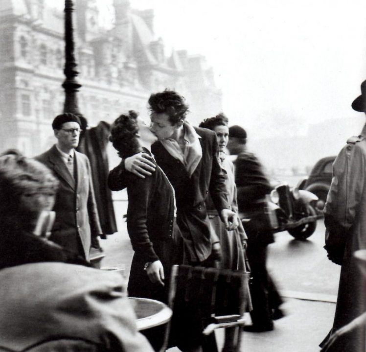 French language love. Hotel de Ville's kiss by Robert Doisneau