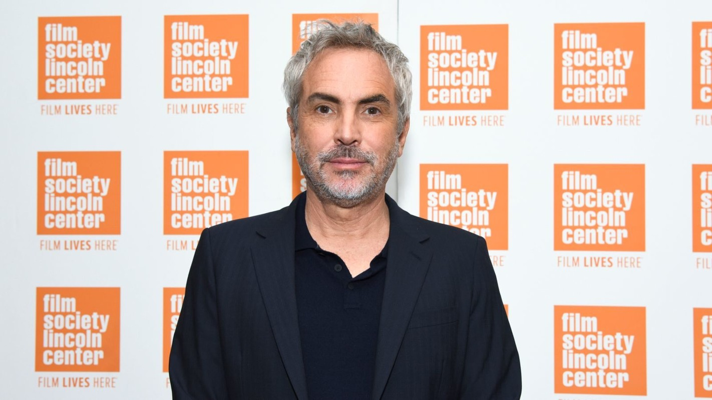 Alfonso-Cuaron-Photo-by-Julie-Cunnah-3-1600x900-c-default_3.jpg