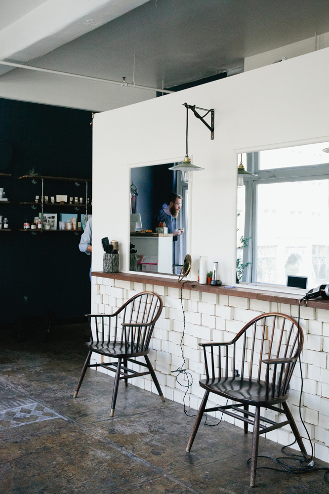 jcs-cabin207-salon.jpg