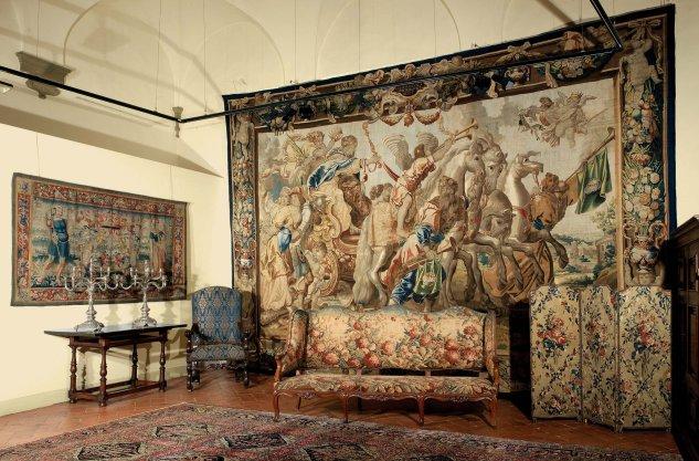 Fiorini Antichità - Servizi di restauro e conservazione per arazzi e tappeti.