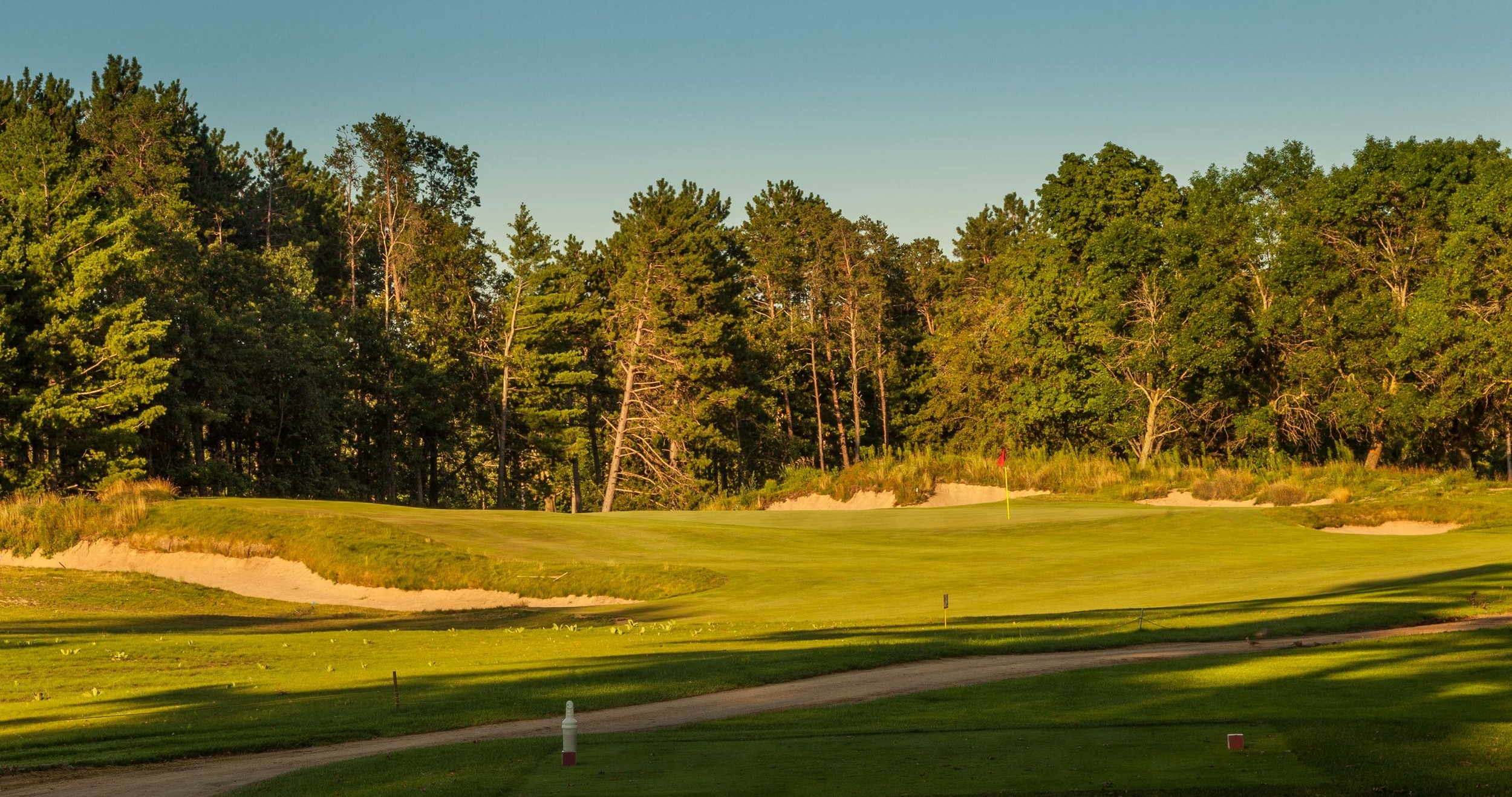 "CENTRAL WISCONSIN AND THE WORDS ""REALLY COOL GOLF TRIP"" WOULD HAVE BEEN MUTUALLY EXCLUSIVE 20 YEARS AGO. TODAY, THEY GO TOGETHER LIKE SAND AND VALLEY.- GARY D'AMATO, MILWAUKEE JOURNAL -"