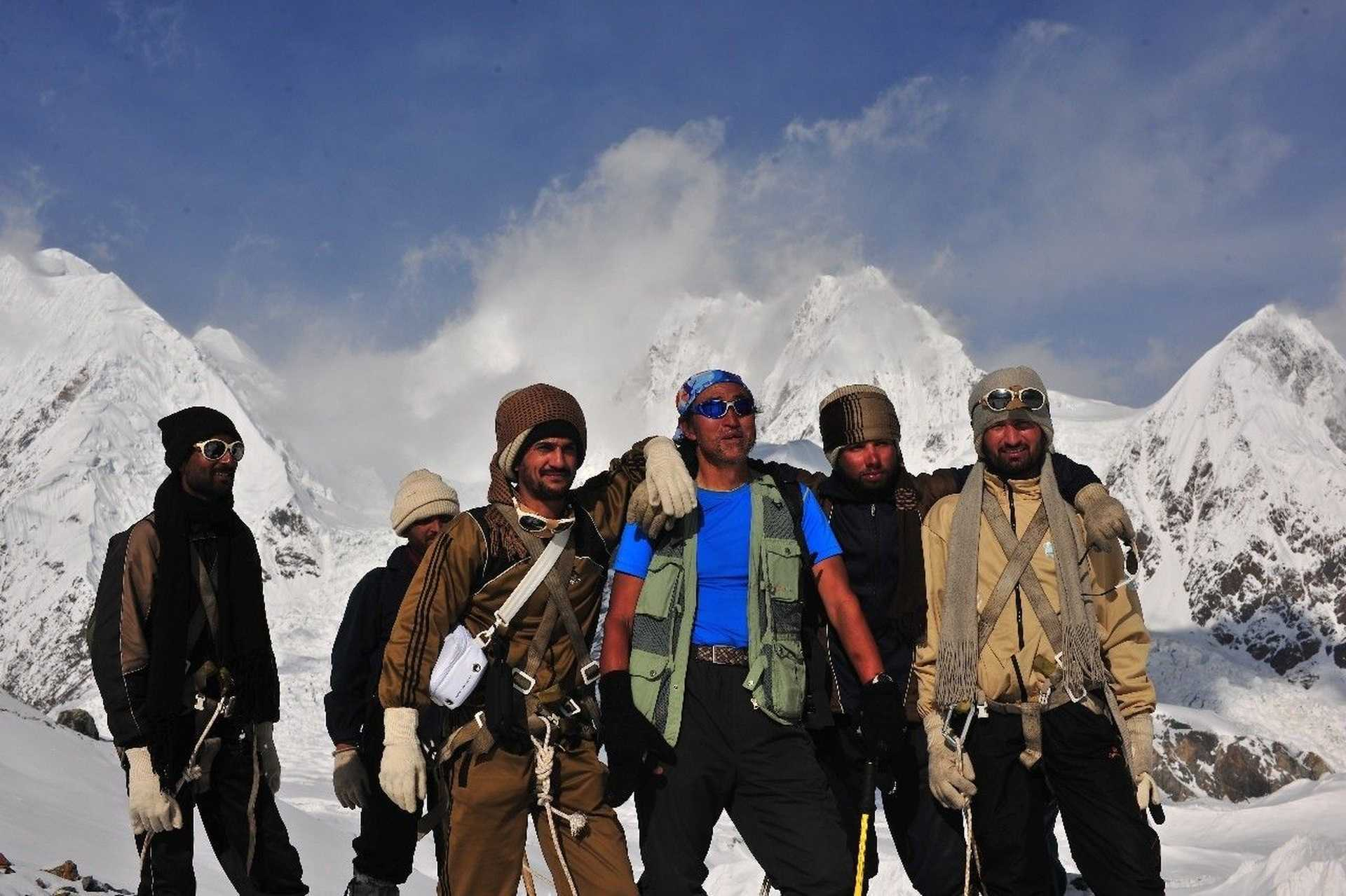 Li Guoping: Mountain Photographer    He moved not only the Chinese, but also the moving Nepal and Pakistan