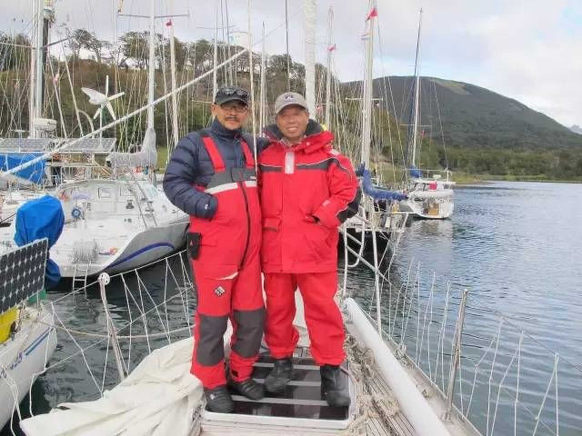 Iron: Sailing experts    Kua child a global sailing trip madman