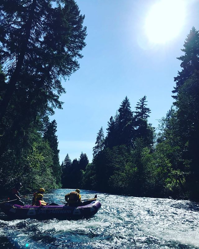 Took a special group of Latinx youth down the White Salmon River today with @cultureseednonprofit @yesi.abby  Heart overflowing. 🥰🌊✊🏽 So proud of my work with la comunidad! 🇲🇽 #diversifyoutdoors #whitesalmonriver #eastcascades #whitewaterrafting