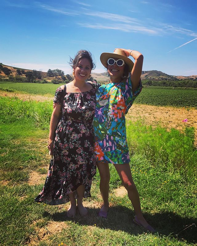 """Starstruck, deliriously happy and on the scene of """"Sideways"""" California wine country, celebrating my east LA hermana @nicolechimay on her birthday. Yesterday was a magical day in Central California. 🤗🤣🍷🤙🏽 @loudog333  Love you babies! 😘💥💕🇲🇽#chicanas #centralcalifornia #winecountry"""