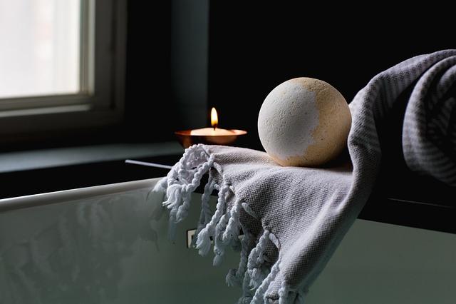 bath-2562225_640.jpg