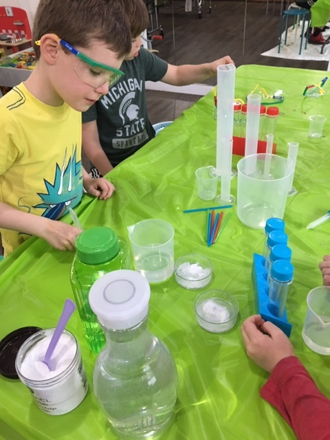 Discovering STEM - Ages 6-8 on Wednesdays 4:00-5:00Sep 18 - Oct 30th, 2019