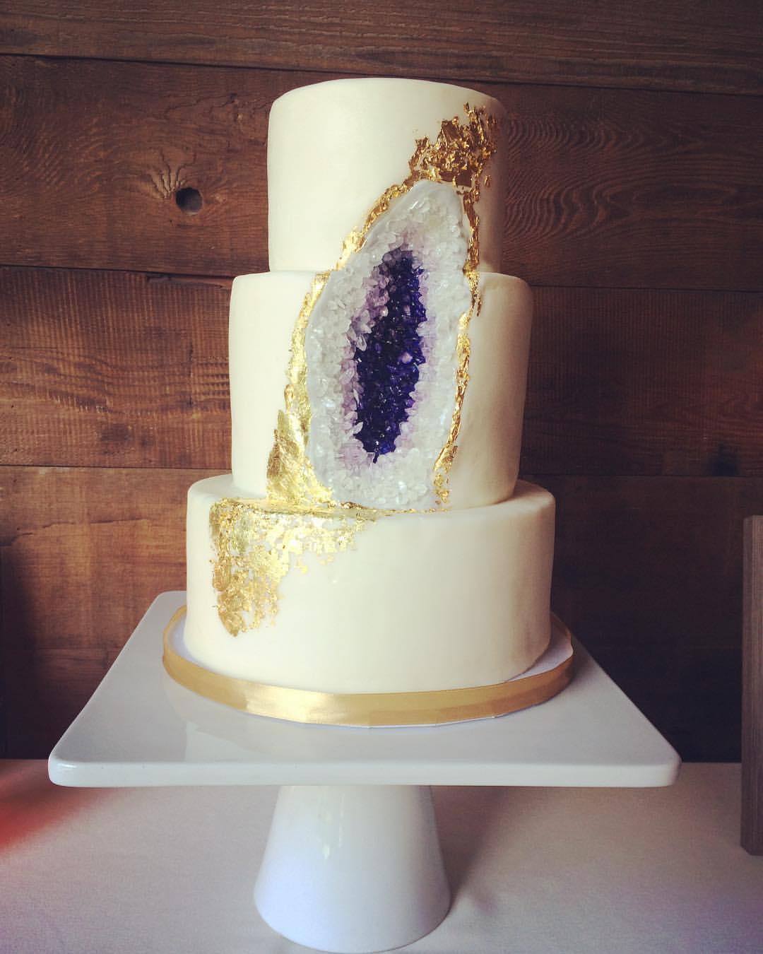 geode cake only.jpg