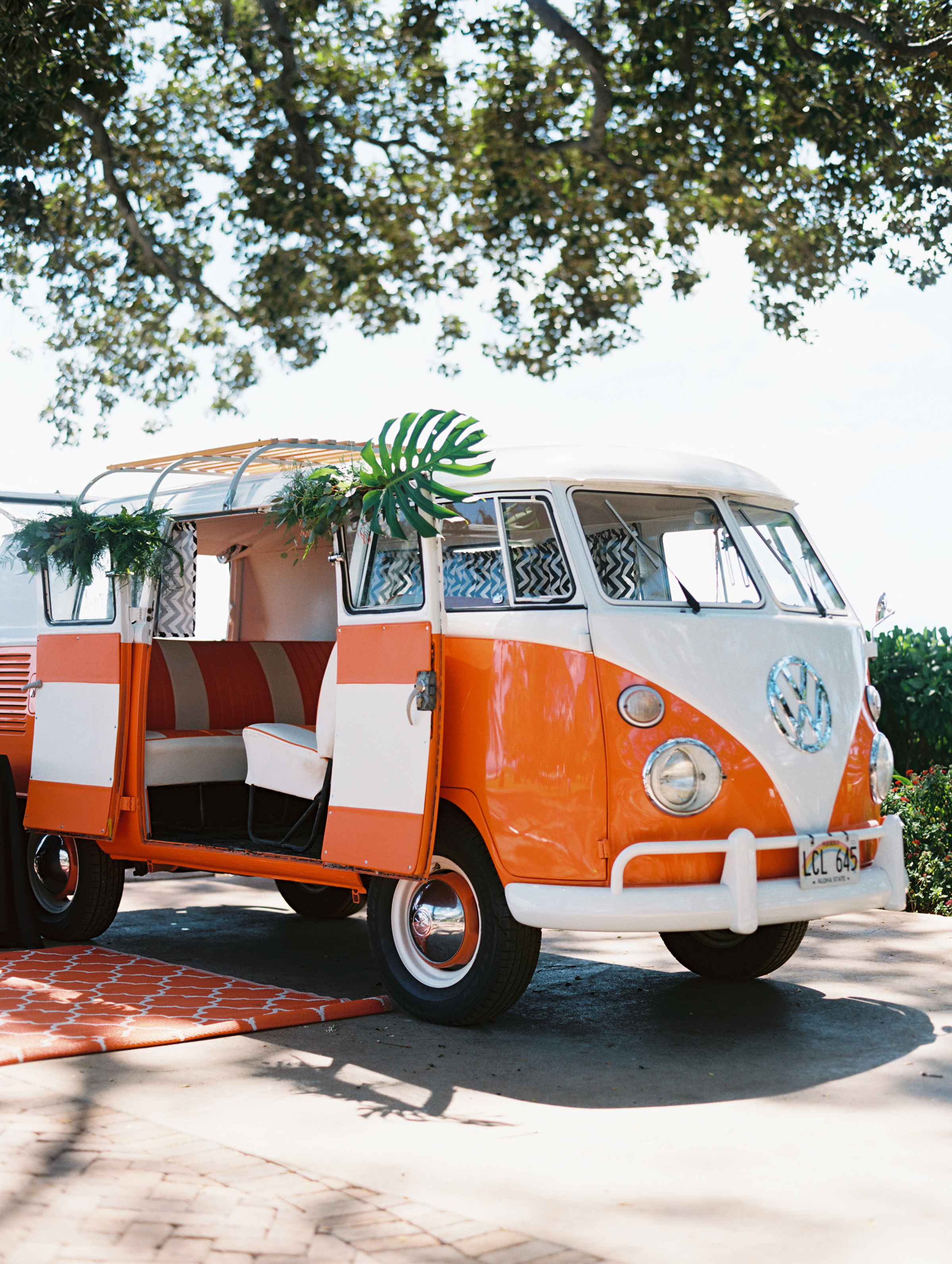 Aloha Photo Booth Bus.jpg