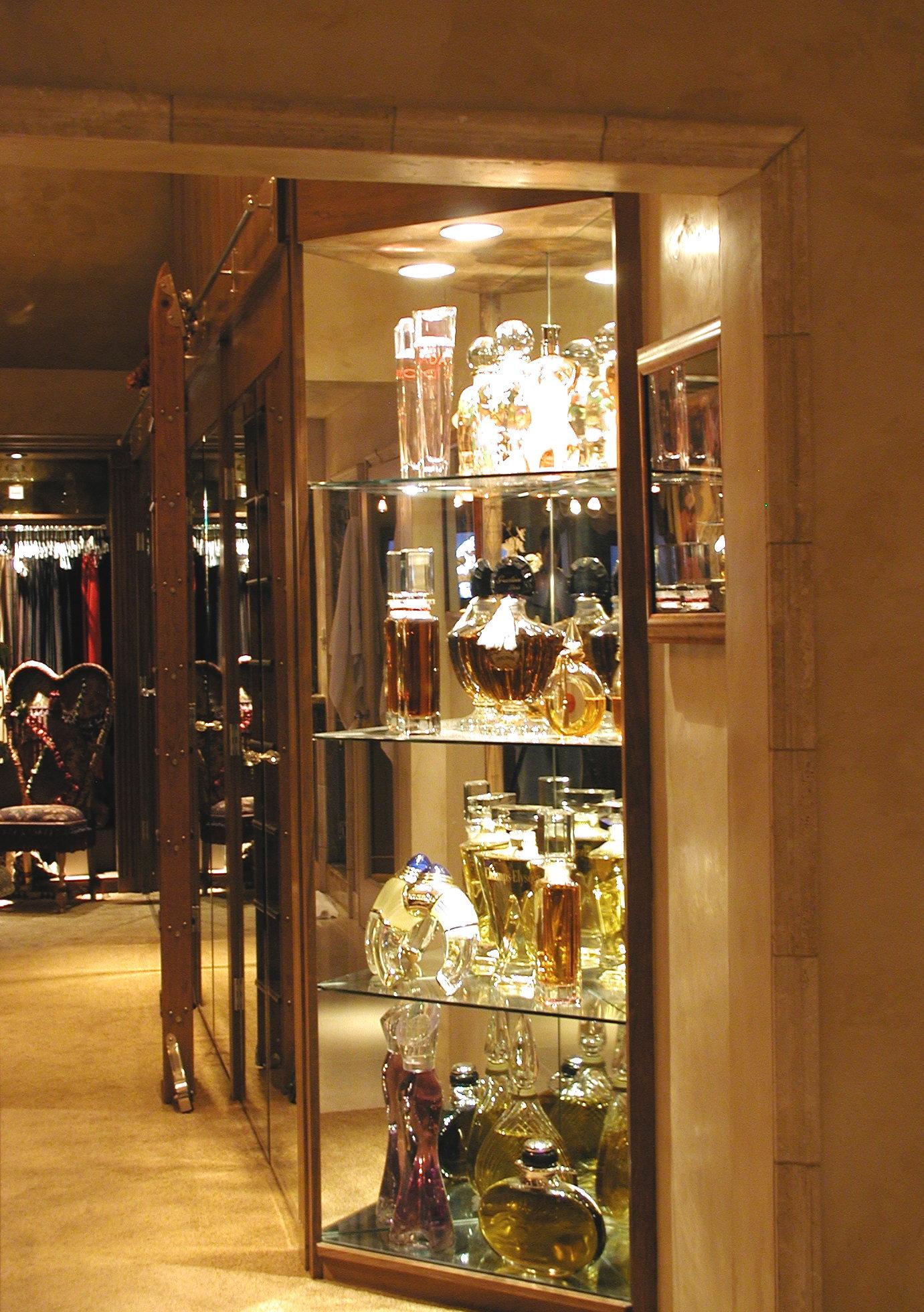 49_Master Suite-Perfume 1.jpg