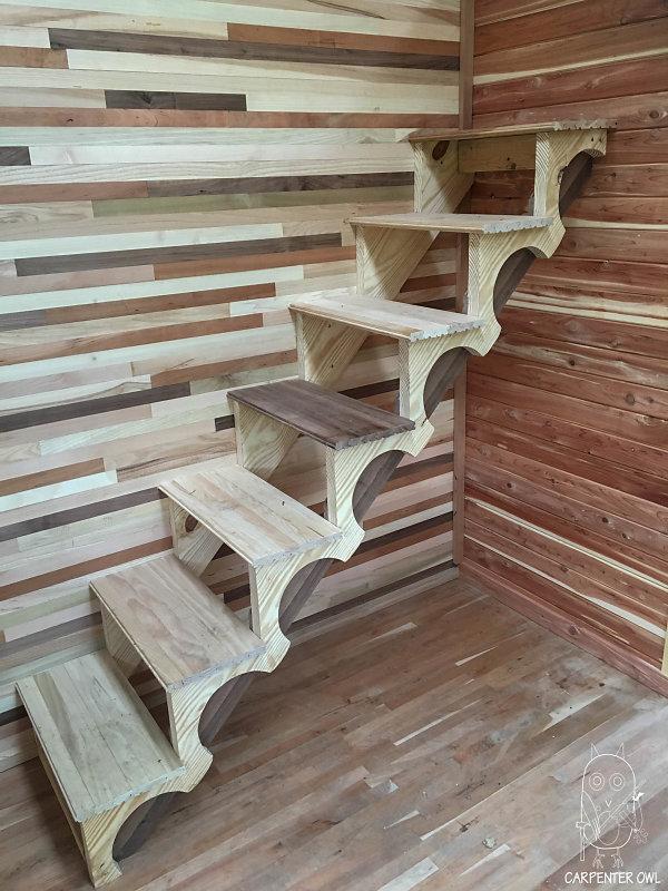 Cozy Rosie - Multi-Species Stairs