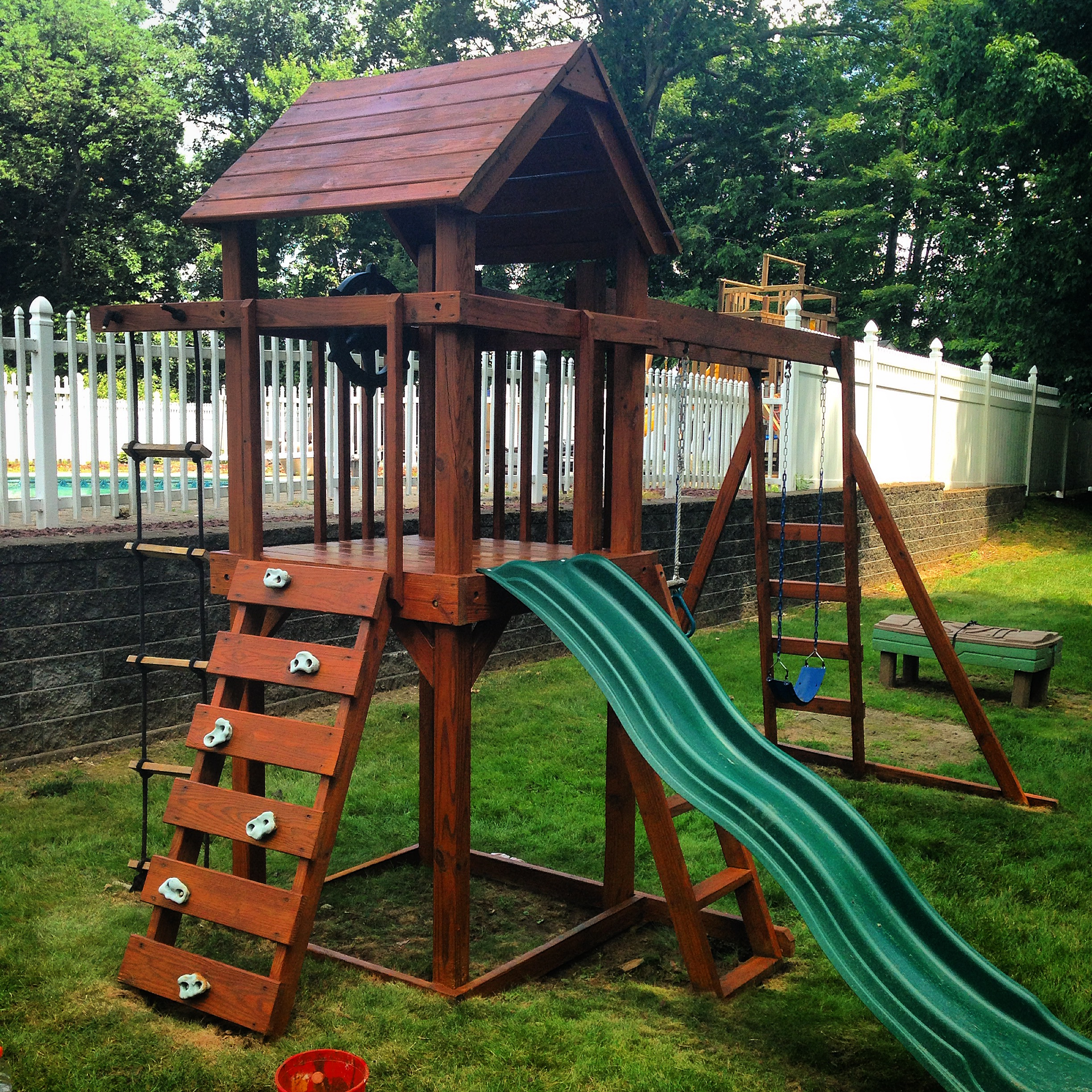Deck Savers : Pressure wash, stain, and seal playscapes in Connecticut