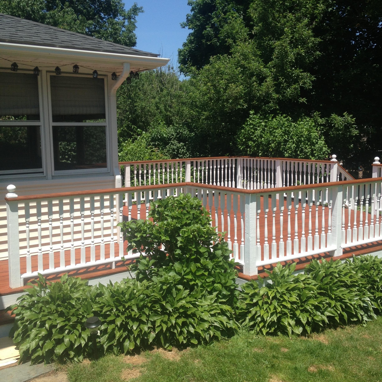 Deck Savers : Powerwashing and staining decks in Connecticut