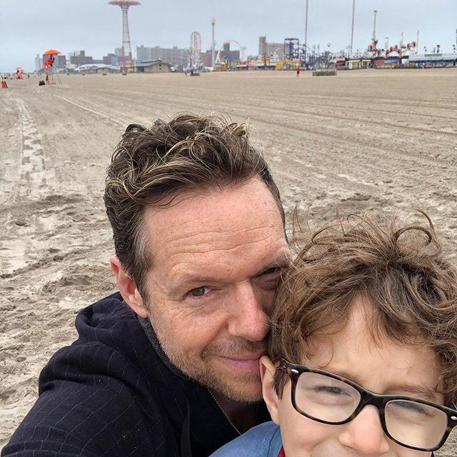 A less-than-ideal photo capturing a more-than-ideal kindergarten field trip to Coney Island. . . . . . #coneyisland #kindergarten #beach #omgwhenwillschoolbeover?!?! #gaydad #gaydaddy #gayfamily #pride