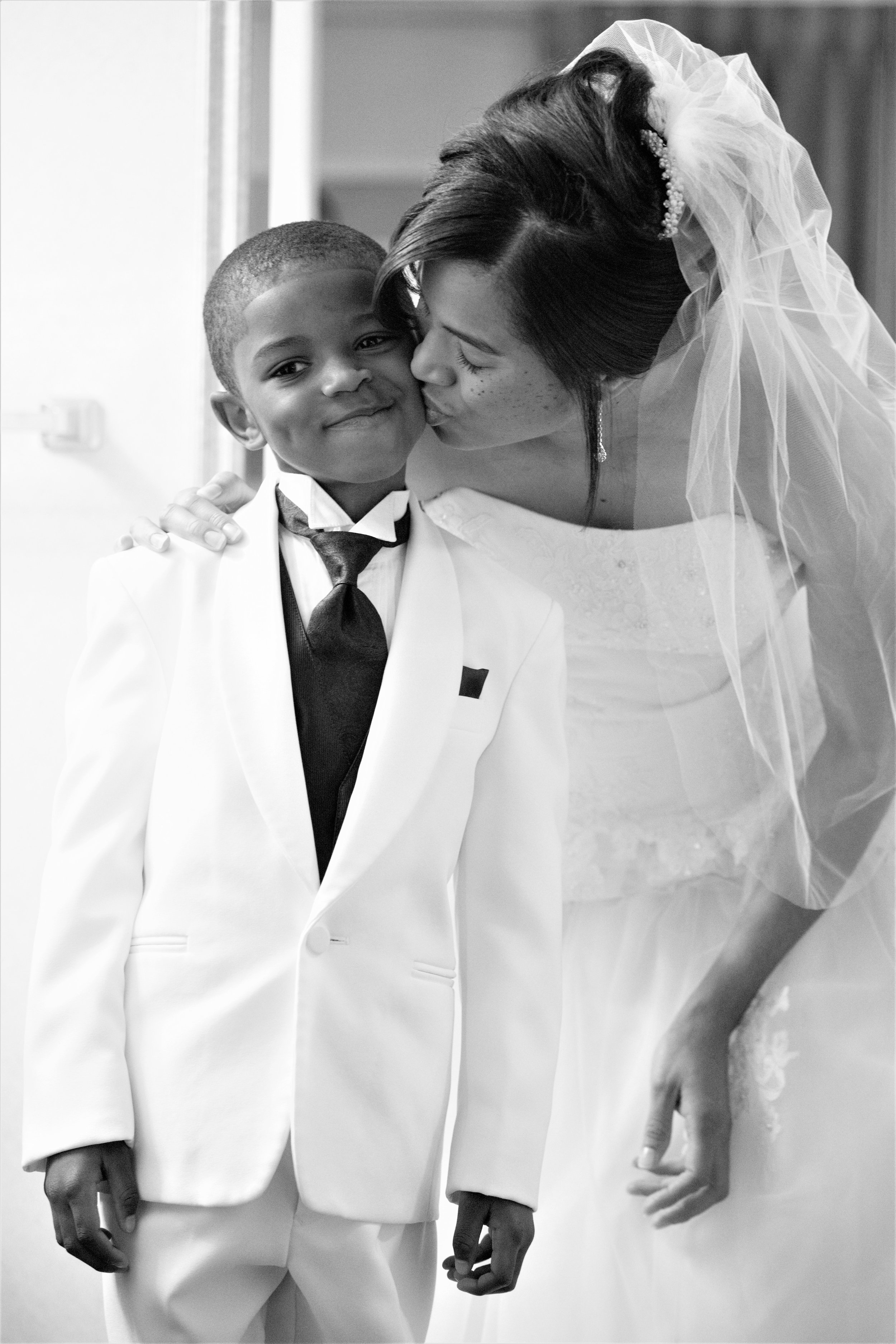 5-24-14_Errol Ebanks_The Finney Wedding_0125_copy.jpg