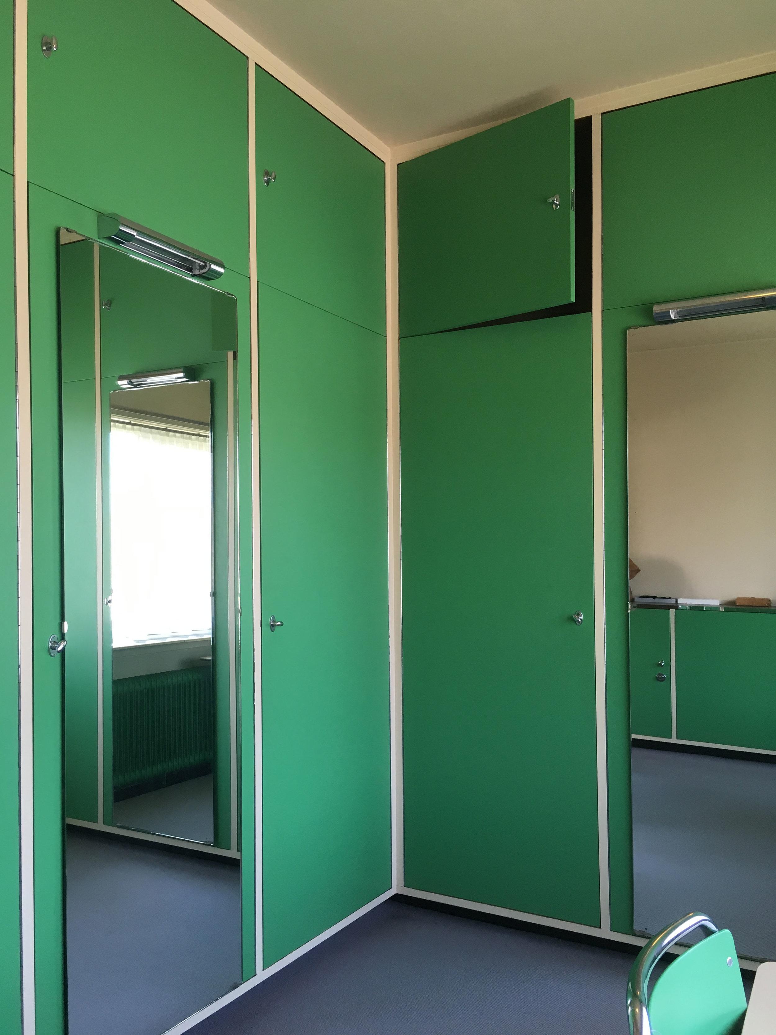 Parents' dressing area