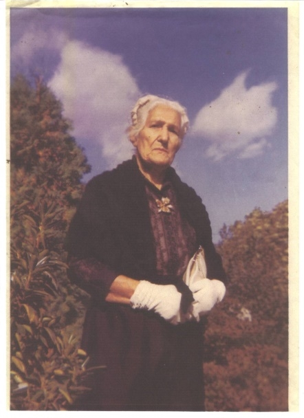 My husband's paternal grandmother Yette Neidich Cohen