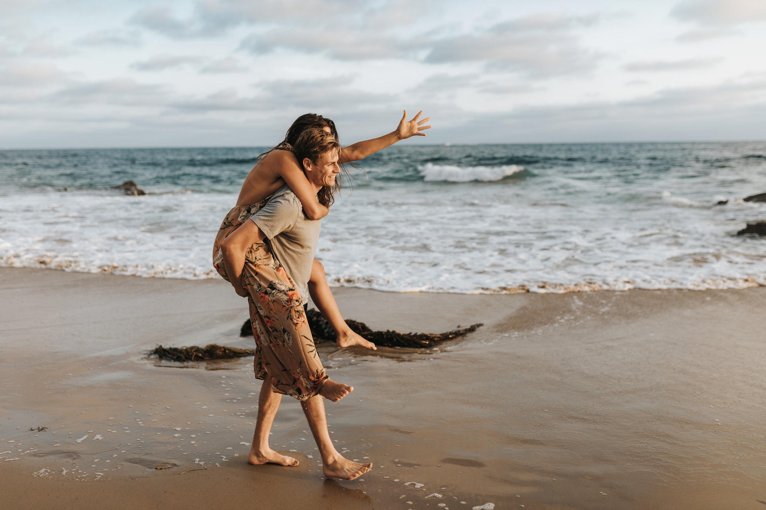 san-diego-beach-engagement-session (4).jpg