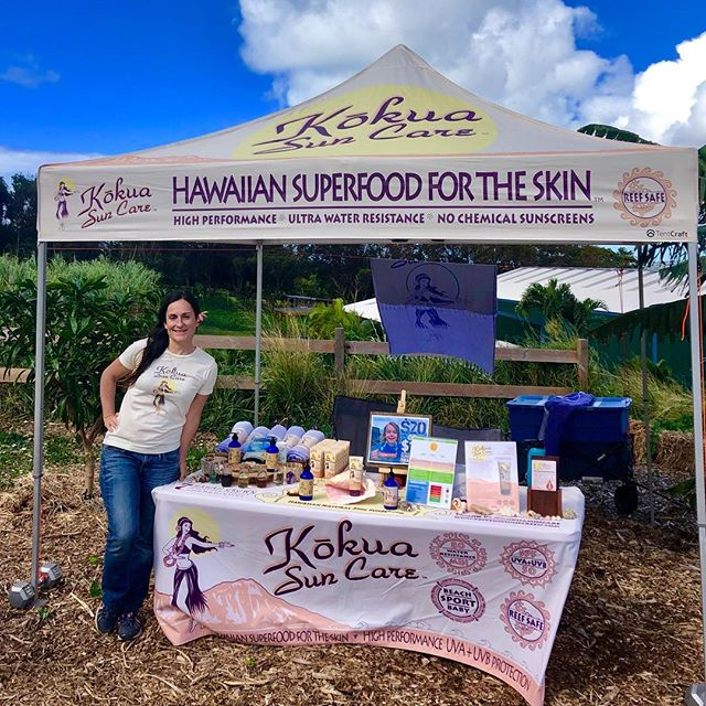 Had so much fun today @keikiandplow educating about healthy #reefsafe #sunscreen and enjoying a gorgeous day on the farm!  By using 7 Hawaii-grown farm ingredients for super antioxidant power, we support local Hawaii agriculture!  Support your local farms! 🌞 🌱  keikiandplow #kokuasuncare #gorgeousday #lovinglife #dayonthefarm #hawaiibusiness #hawaiikai #kokohead #farmtoskin #supportlocalfarmers