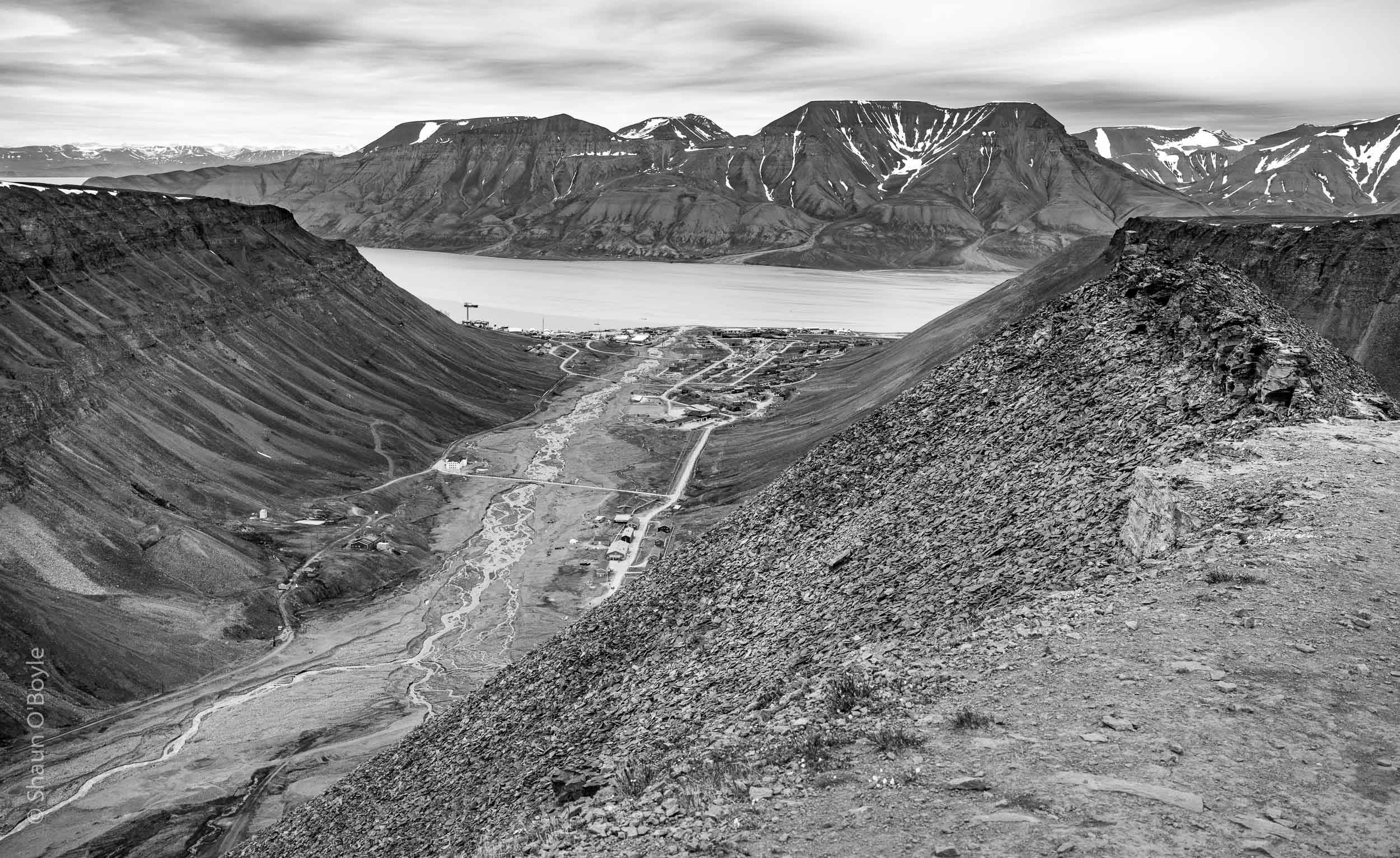 Longyearbyen and Longyear Valley from summit of Sarkofagan
