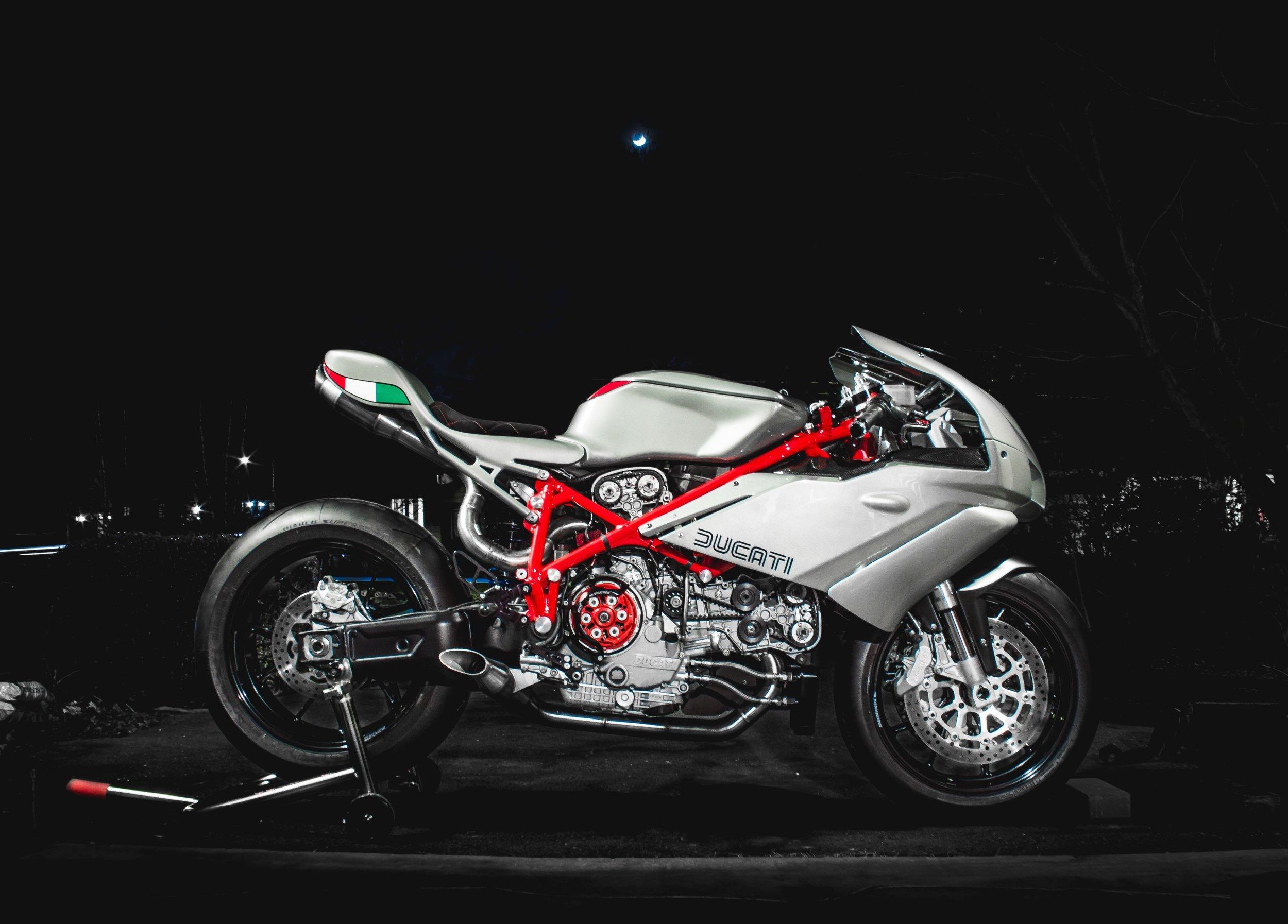 Copy of Custom Ducati 749