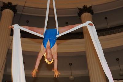 trapeze-world-artistry_3239540525_o.jpg